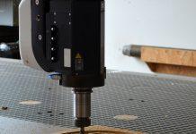 Tecniche e macchine per la lavorazione del legno utilizzate nell'era moderna
